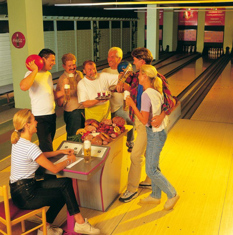 Kuželky a bowling